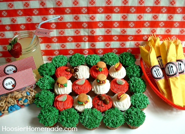 Picnic Cupcakes :: Instructions on HoosierHomemade.com