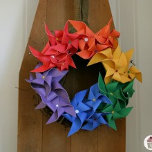 Pinwheel-Rainbow-Wreath