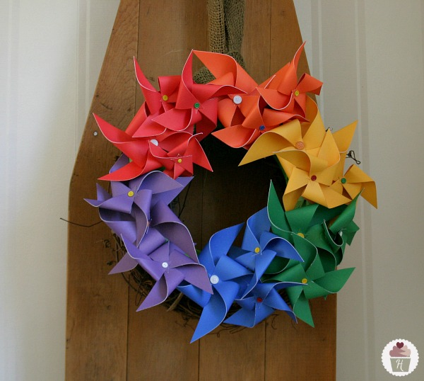 Pinwheel Rainbow Wreath :: Instructions on HoosierHomemade.com