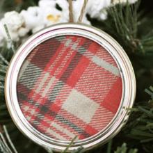 Plaid-Mason-Jar-Lid-Ornament-FEATURE