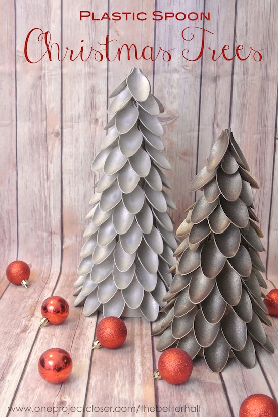 Update your Christmas tablescape with these beautiful plastic spoon Christmas trees!