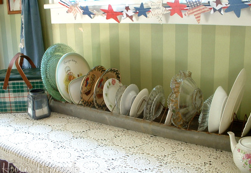 Decorating with an antique galvanized chicken feeder and a for Old chicken feeder ideas