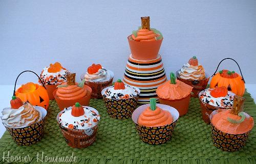 pumpkin cupcakes ~ cupcake tuesday - hoosier homemade