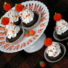Pumpkin Latte Cupcakes.featured