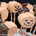 Pumpkin Marshmallow Pops: 15 minute Halloween Treat:: from HoosierHomemade.com