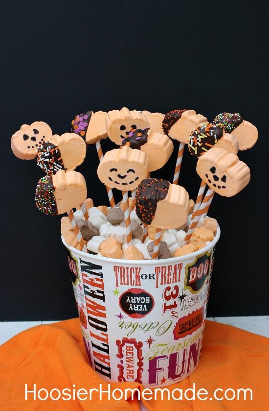 Pumpkin Marshmallow Pops: 15 minute Halloween Treat:: from HoosierHomemade.com