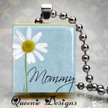 Queenie pendant