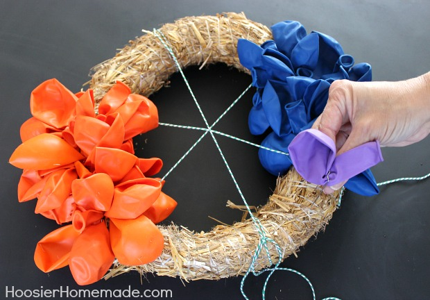 How to make a balloon wreath hoosier homemade Making wreaths