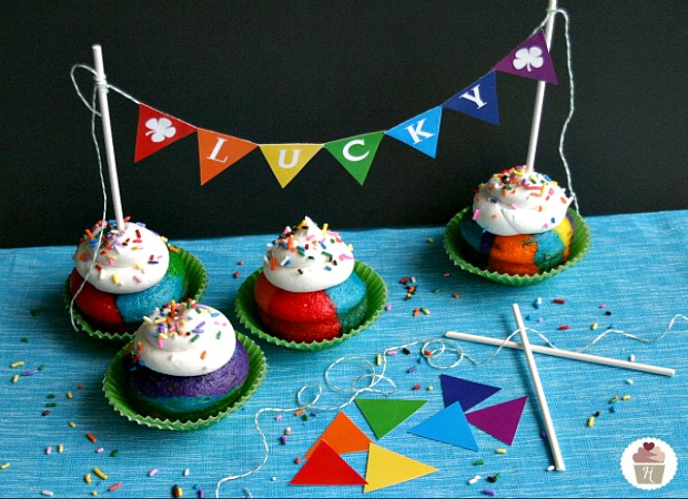 Rainbow Cupcakes with Printable Bunting :: HoosierHomemade.com