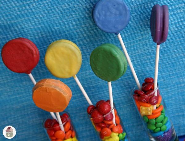 Rainbow-Oreo-Pops.close