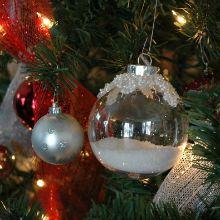 Red-Christmas-Tree.2.220