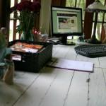 Rustic Office Desk Pottery Barn Style :: Directions on HoosierHomemade.com