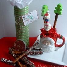 Santa Pretzel Rods