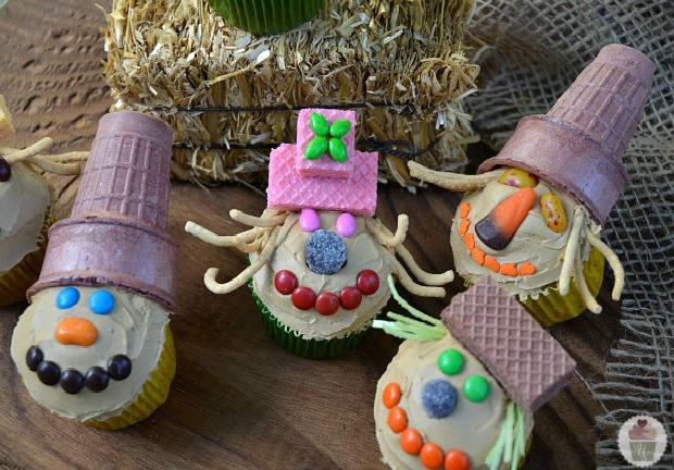 Scarecrow Cupcakes :: on HoosierHomemade.com