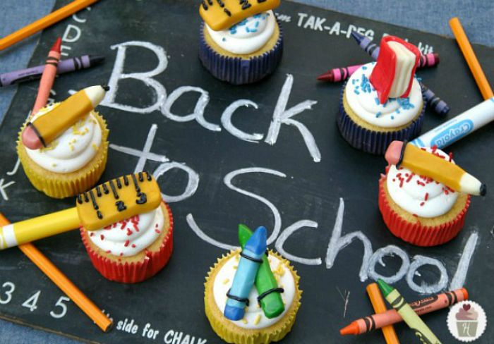 School-Supplies-Cupcakes-Back-to-School.HoosierHomemade.com_