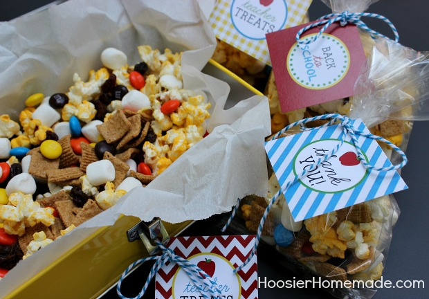 S'mores Snack Mix with Printable Back to School Tags :: Recipe + Printables on HoosierHomemade.com