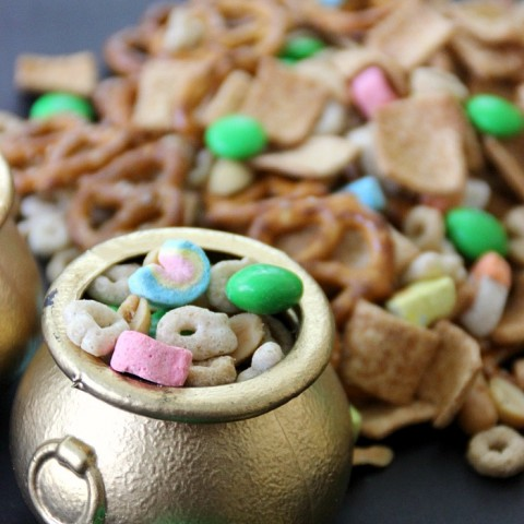 Leprechaun Snack Mix for St. Patrick's Day