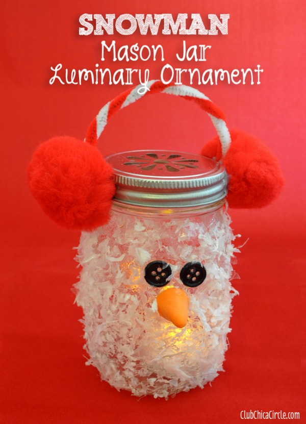 This cute little Mason Jar Snowman Craft is easy to make and perfect for gift giving! Pin this to your Christmas Board!