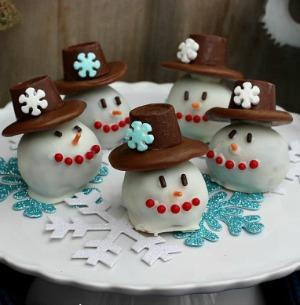 Snowman Oreo Balls :: HoosierHomemade.com