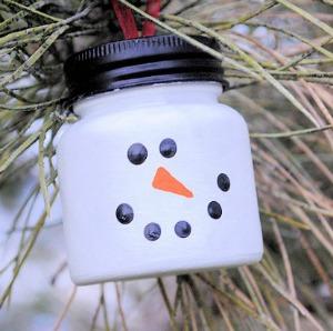 Snowman Ornament :: HoosierHomemade.com