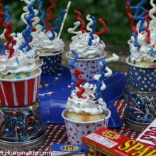 Fourth of July Sparkler Cupcakes | Recipe on HoosierHomemade.com