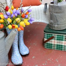 Spring Front Porch Decorating :: HoosierHomemade.com