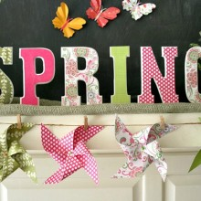 Spring Mantel Garland on HoosierHomemade.com