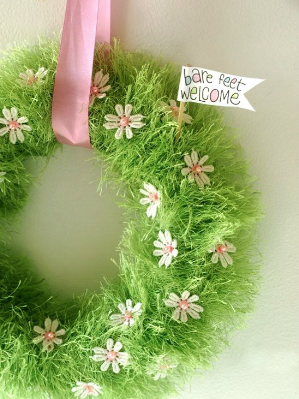 With just a few simple supplies, you can welcome your guests with this gorgeous Spring Wreath! It's super to make and goes together in a snap! Be sure to save it to your DIY Board for later!