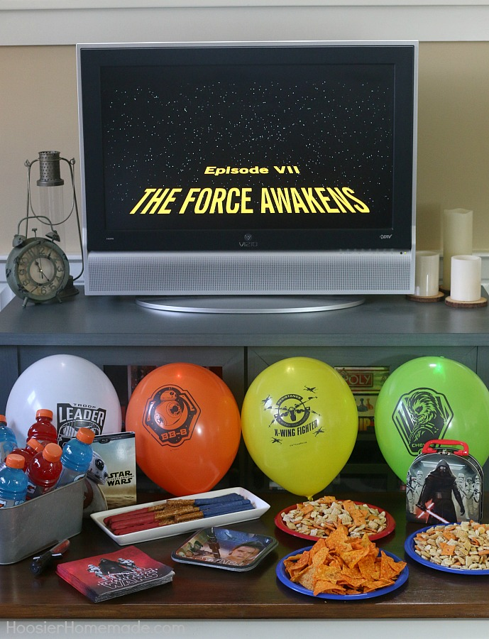 Do you have Star Wars fans in your home? Create this easy Star Wars Movie Night in minutes!