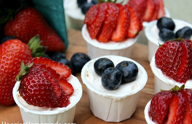 Easy No Bake Strawberry Cheesecakes | Recipe on HoosierHomemade.com