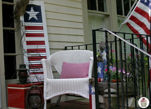 Beautiful Patriotic Porches For The 4th Of July