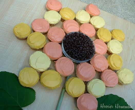 Sunflower-Cupcakes.close