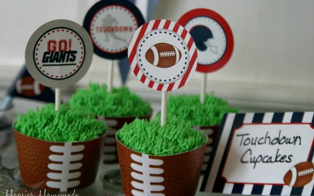 Super-Bowl-Cupcakes