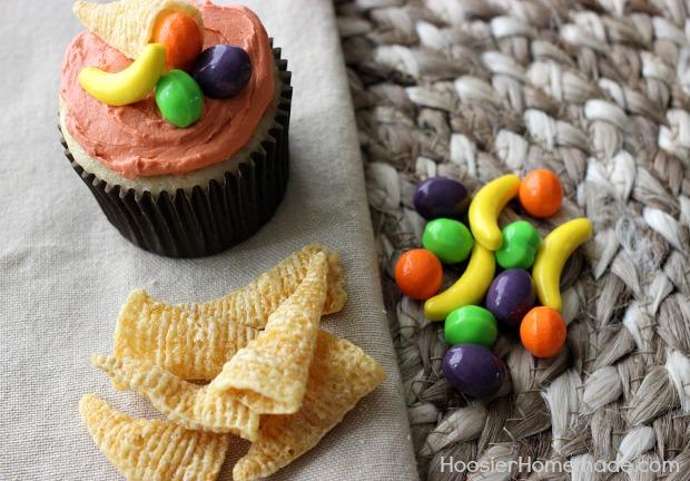 Cupcakes with Cornucopia for Thanksgiving