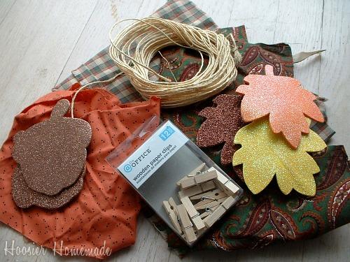 http://hoosierhomemade.com/thanksgiving-garland/