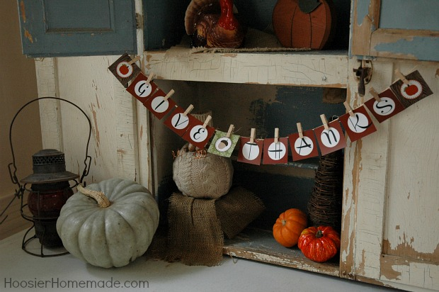 Thanksgiving countdown day 3 decorating with printable for Homemade thanksgiving decorations for the home