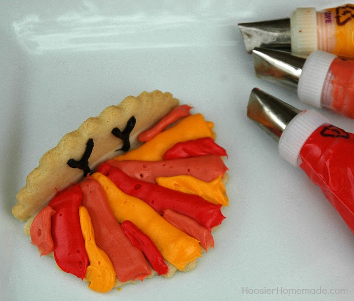 Add more feathers to Thanksgiving Turkey Cookies