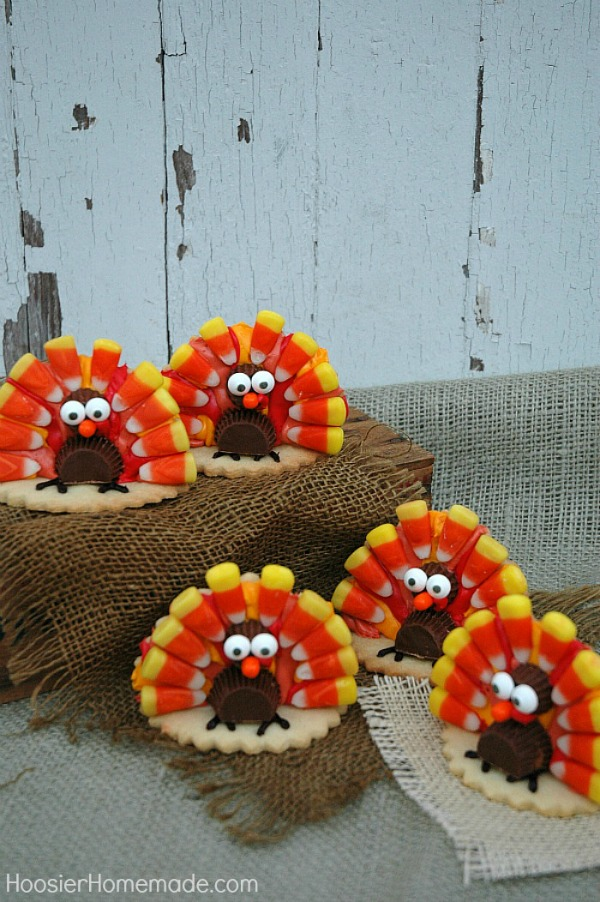 Grab the kids! It's time to decorate these adorable Thanksgiving Turkey Cookies! They are easy to create too! Use them on your dessert table or as place setting for your Thanksgiving Table!