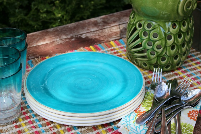 Table setting for easy entertaining