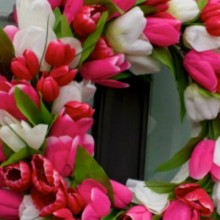 Tulip_Spring_Door_Wreath.feature