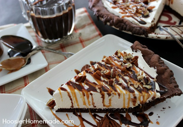 Easy Homemade Chocolate Turtle Cake: Turtle Cheesecake Pie