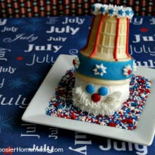 Uncle-Sam Cupcake | on HoosierHomemade.com