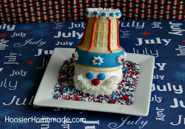 Uncle Sam Cupcakes on HoosierHomemade.com