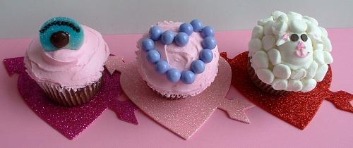 Valentine Cupcakes.featured