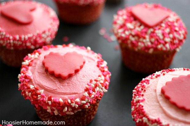 valentines cupcakes vanilla cupcake recipe with buttercream frosting hoosier homemade - Valentines Cupcakes Ideas