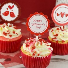 Valentines-Day-Cupcake-Toppers.FEATURE