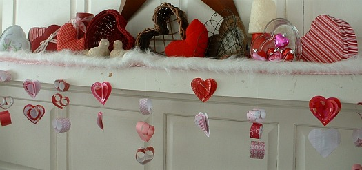 Valentines Mantel featured