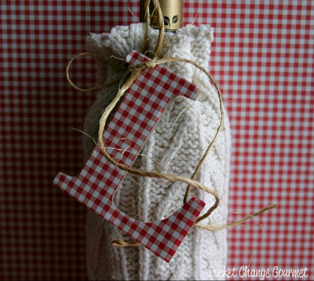 DIY Wine Bottle Sweater :: 100 Days of Homemade Holiday Inspiration on HoosierHomemade.com
