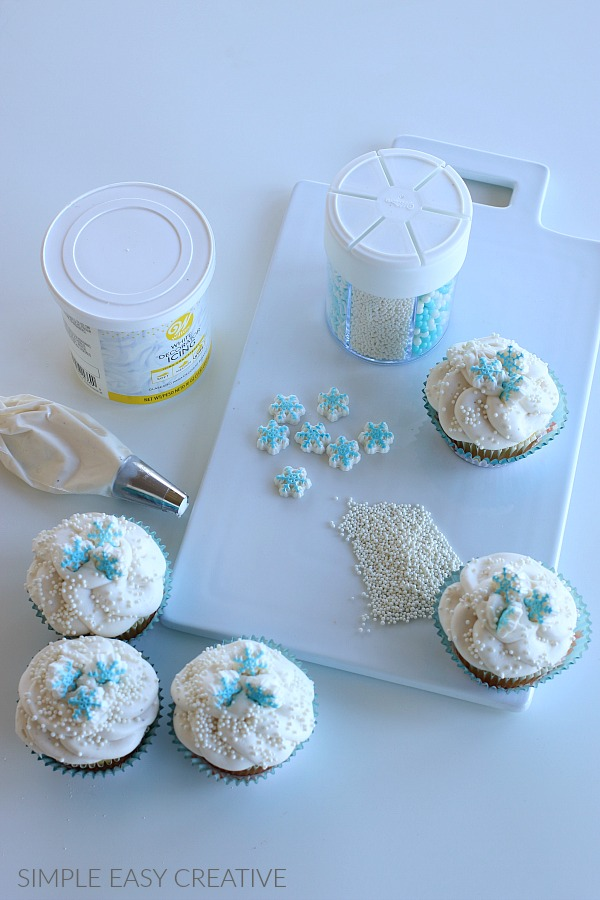 Cupcakes with Snowflakes