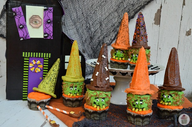 Wicked Witch Cupcakes :: HoosierHomemade.com